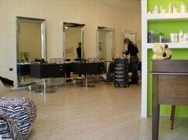 Ламинат АкваСтеп в парикмахерской